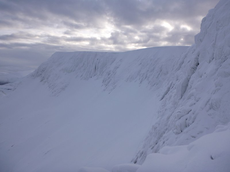 The white cliffs of Coire Lochain, Aonach Mor