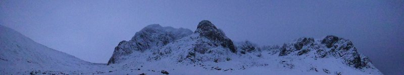 Clear skies above Ben Nevis this morning, on our way to Tower Ridge.