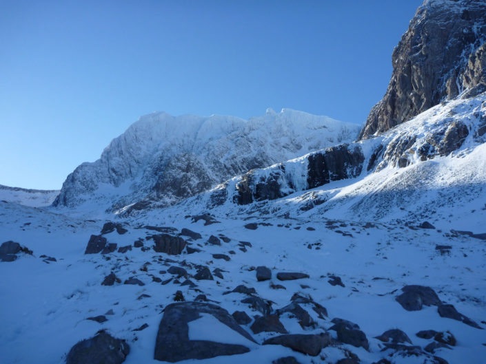 Clear skies over Ben Nevis on our Scottish Winter Climbing Course