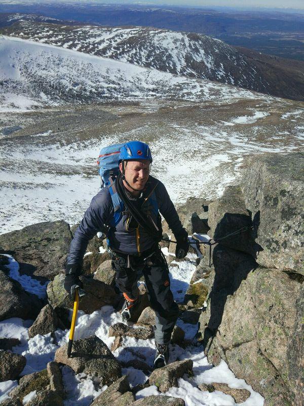 Fiacaill Ridge Winter Mountaineering Course