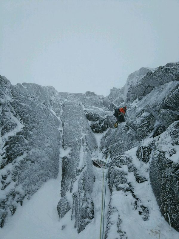 Harry on pitch 3 of Slab Rib Variation, Ben Nevis